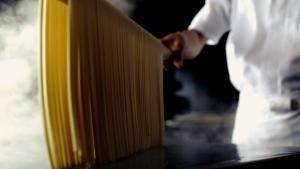 青野楓 丸亀製麺 「ここのうどんは、生きている。」篇0009