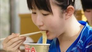 早田ひな/マルちゃん クッタ「卓球・早田ひなへ差し入れ」篇0009