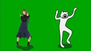 本田翼LINEモバイルダンス「けたたましく動くクマ」篇0009