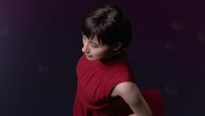 ホラン千秋 クラシエ 肌美精ナイトスリーピングセラム 「ぷるん」篇0002