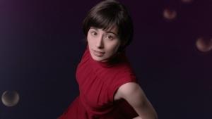 ホラン千秋 クラシエ 肌美精ナイトスリーピングセラム 「ぷるん」篇0003