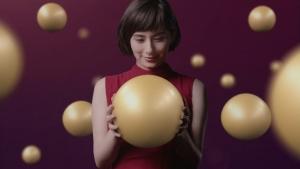 ホラン千秋 クラシエ 肌美精ナイトスリーピングセラム 「ぷるん」篇0008