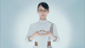 井上可南子 新日本製薬 パーフェクトワン スーパーモイスチャージェル「扉」篇0018