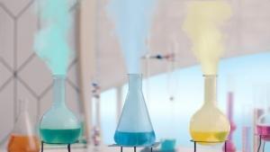 上白石萌歌/テイジン「化学の可能性はひとつDAKE JA NAI」篇0011