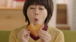 高畑充希 KFC 30%オフパック「井戸端会議」篇 0012