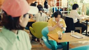 谷本琳音オセロニア「カフェでの待ち時間」篇0011
