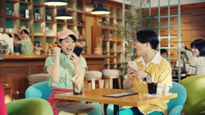 谷本琳音オセロニア「カフェでの待ち時間」篇0022