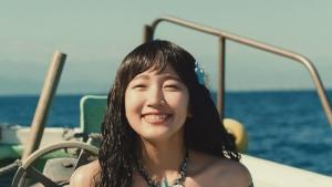 吉岡里帆CM Y!mobile「新人魚姫」篇0006