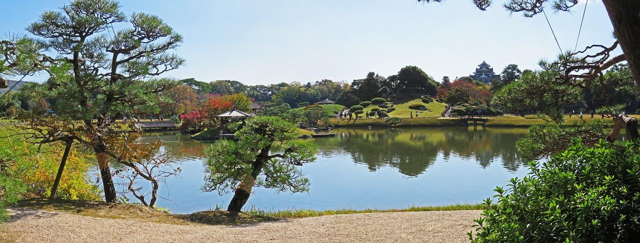 20181110 後楽園今日の観光定番位置から眺めた園内ワイド風景 (1)