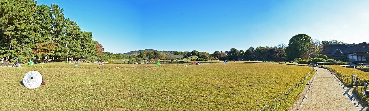 20181115 後楽園今日の午後の鶴鳴館東付近から眺めた園内ワイド風景 (1)
