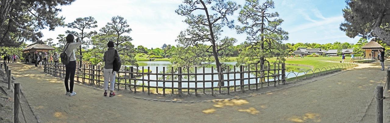 20190515 後楽園今日の観光定番位置付近の松林側から眺めた園内ワイド風景 (1)