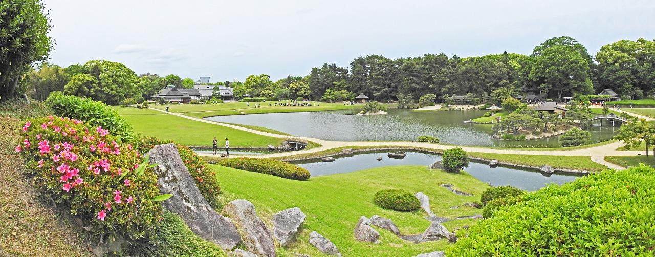 20190518 後楽園今日の唯心山北側の降り口から眺めた園内ワイド風景 (1)