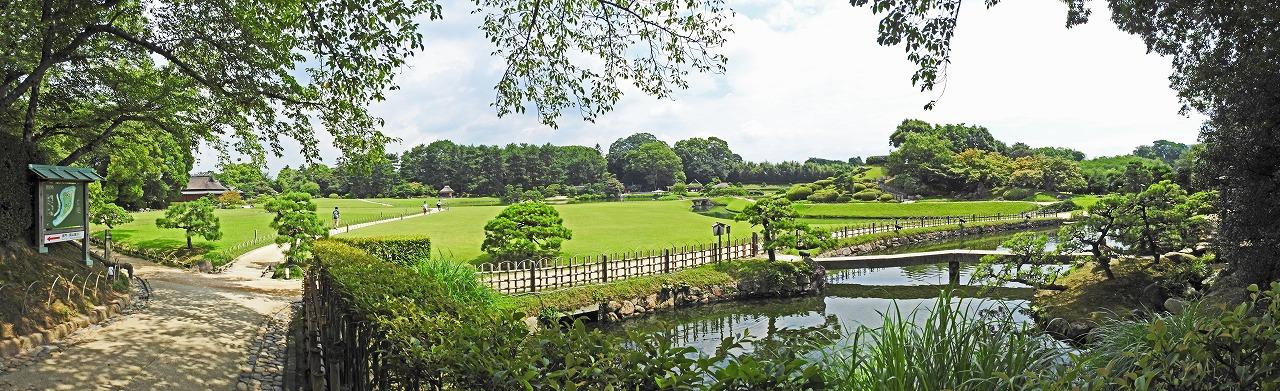 20190725 後楽園今日の南門を入って直ぐの場所から眺めた園内ワイド風景 (1)