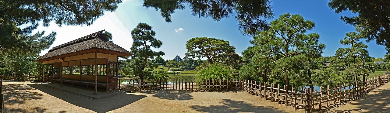 20190918 後楽園今日の観光定番位置の松林側から眺めた三枚構成の園内ワイド風景 (1)