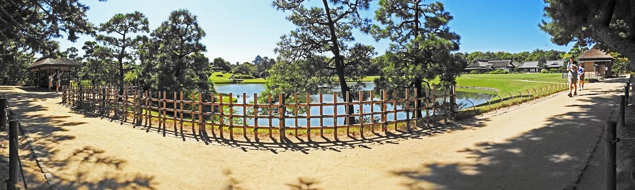 20190926 後楽園今日の観光定番位置付近の松林側から眺めた園内ワイド風景 (1)