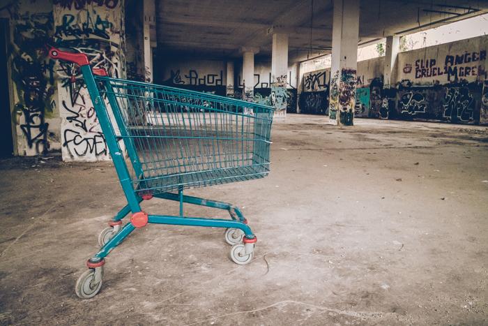 20190407_abandoned_greece_1.jpg