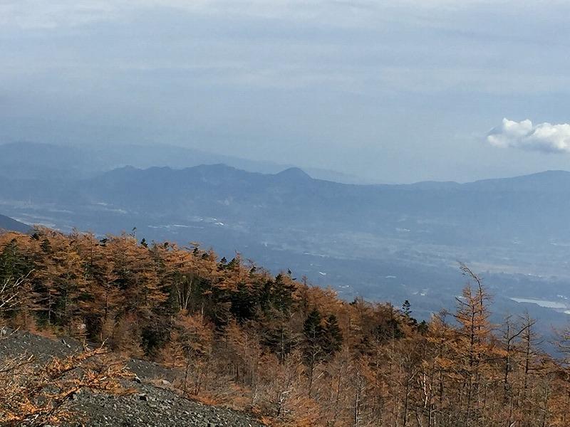 小富士周辺の紅葉と箱根遠望