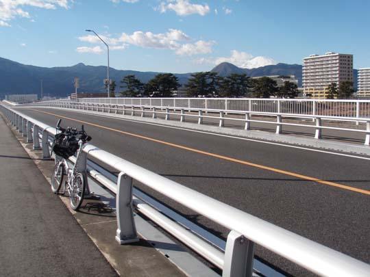 https://blog-001.west.edge.storage-yahoo.jp/res/blog-fe-4e/bazu55555/folder/1150243/63/32982363/img_0_m?1566219630