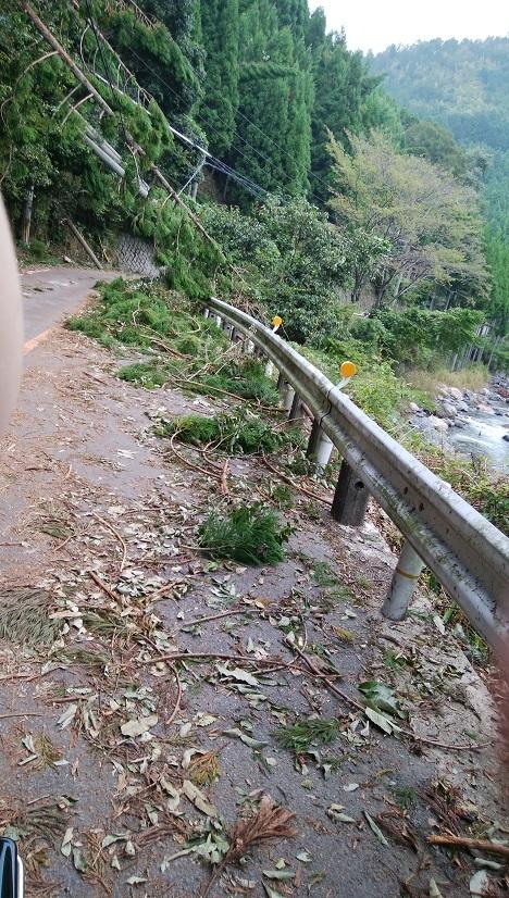 台風被害道路05