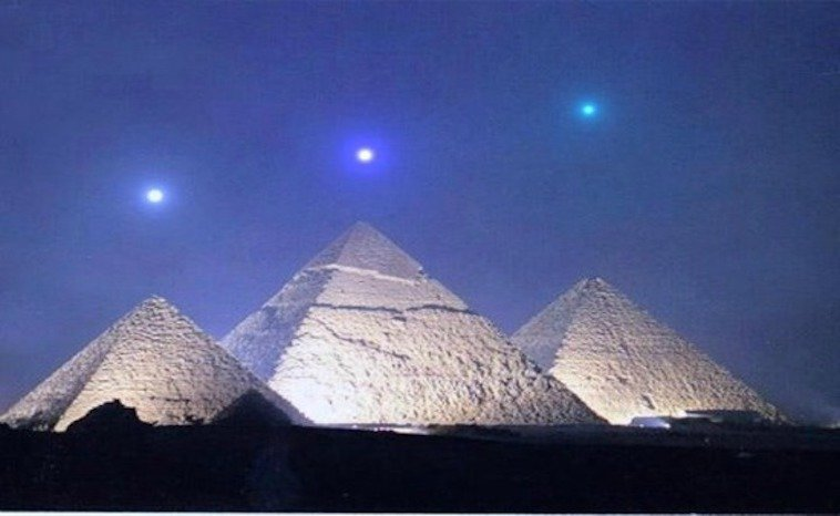 pyramids-and-orions-belt.jpg