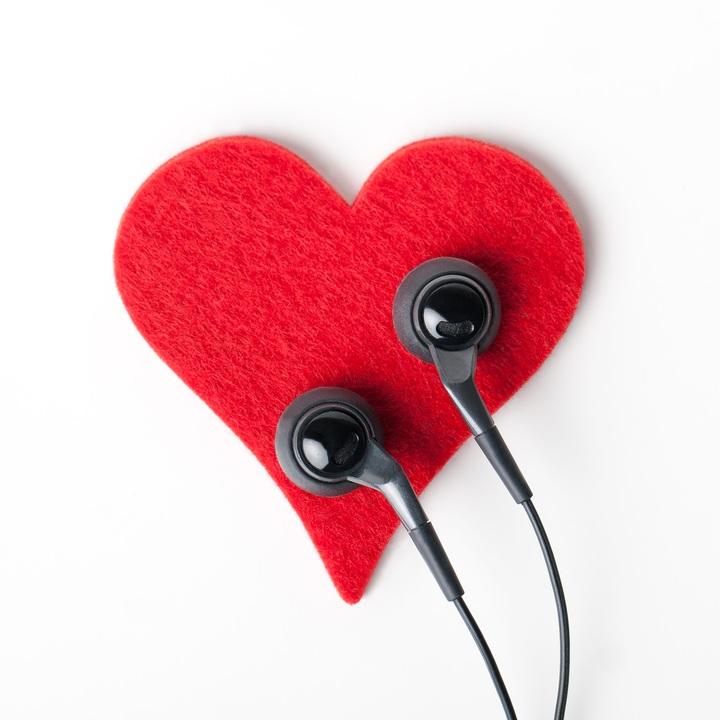 hand-heart-finger-red-object-ear-1051463-pxhere-com.jpg