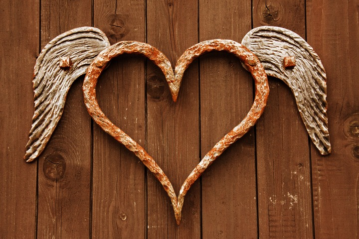 wood-old-rust-love-heart-decoration-1358087-pxhere-com.jpg