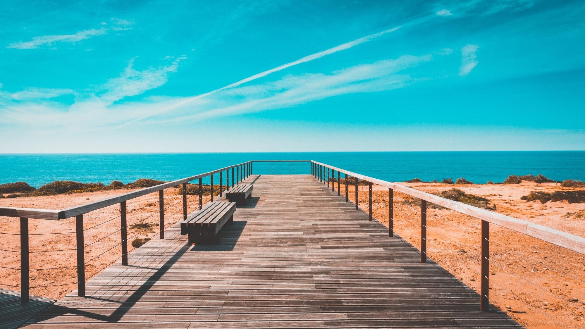 beach-bench-boardwalk-462024.jpg