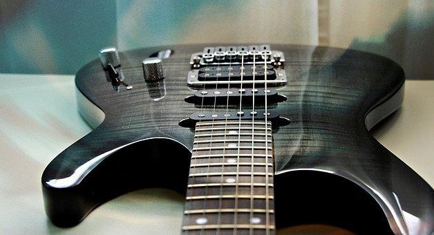 guitar-2623782__340.jpg