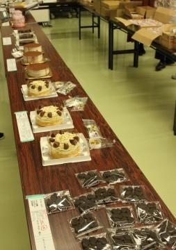 14ケーキ陳列