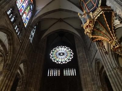大聖堂のバラ窓