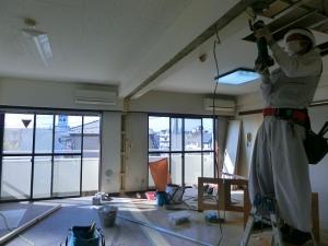天井部分の造作工事中。