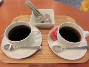 コーヒーとお茶菓子のサービス