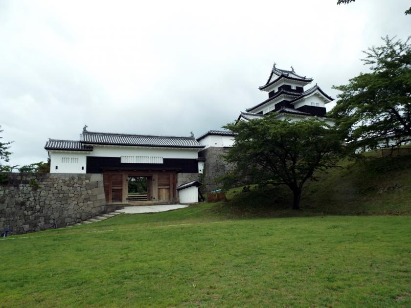 shirakawakominetakenomaru.jpg