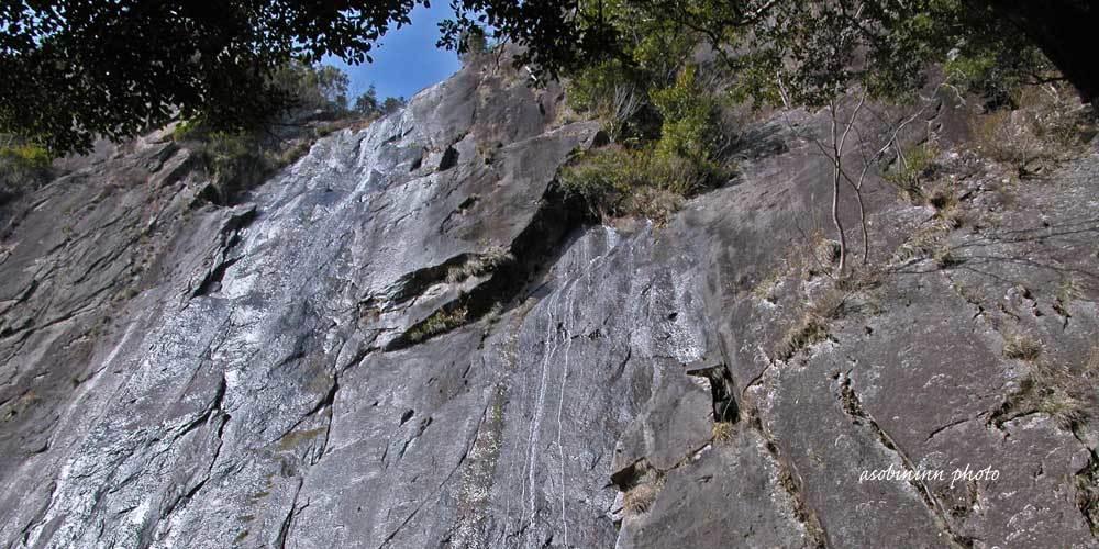 行縢(むかばき)の滝-1