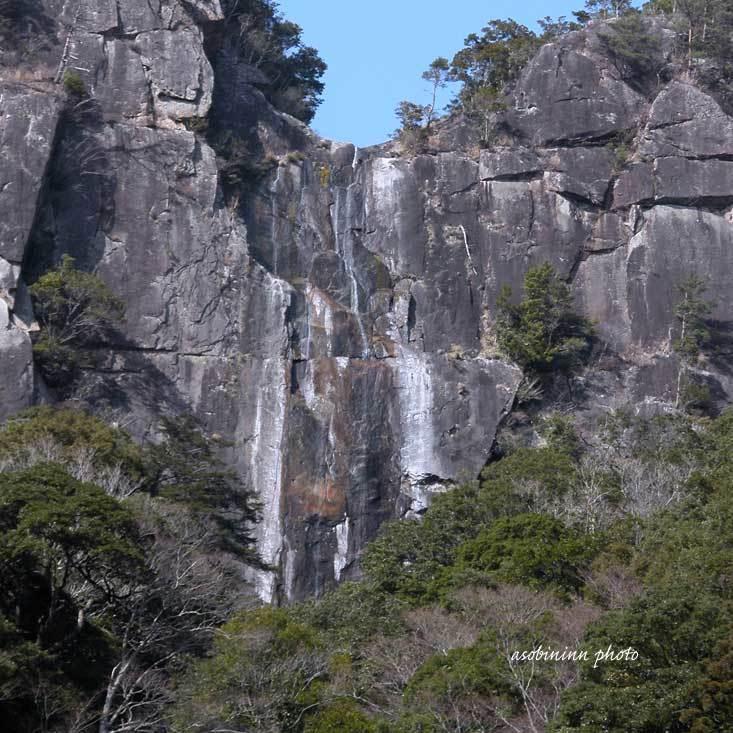 行縢(むかばき)の滝-2