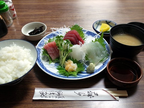 kawachiyasashimi03.jpg