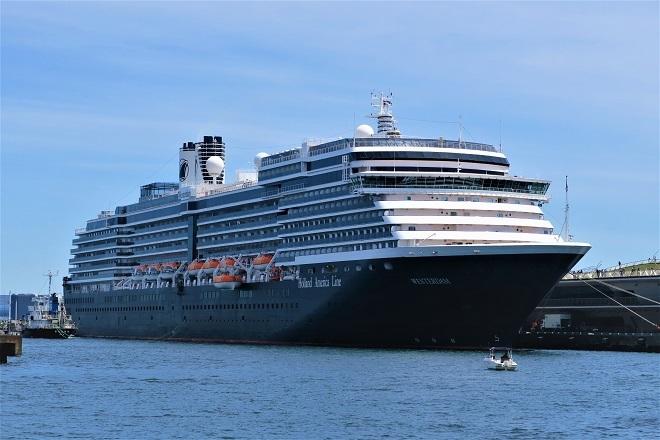 2019横浜港豪華客船来港(H01)