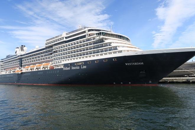 2019横浜港豪華客船来港(H09)