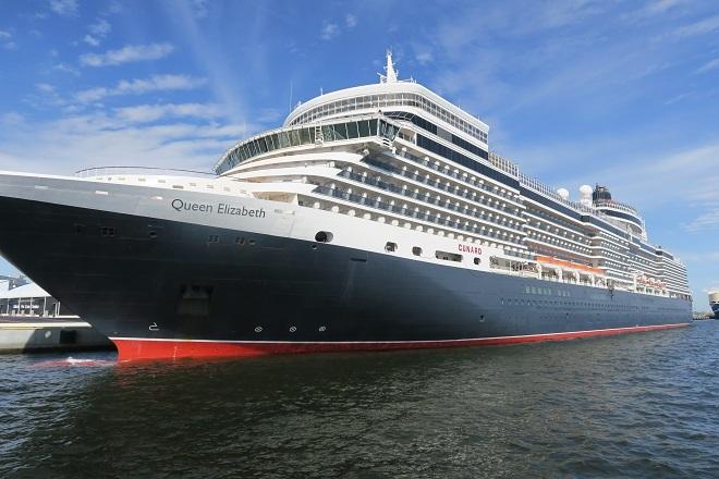 2019横浜港豪華客船来港(UK05)