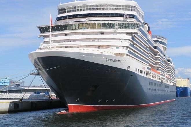 2019横浜港豪華客船来港(UK10)