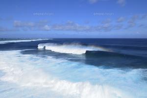 波のうねり