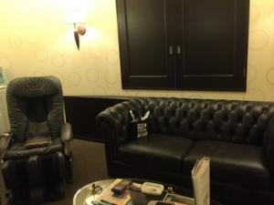 ラブホのソファ