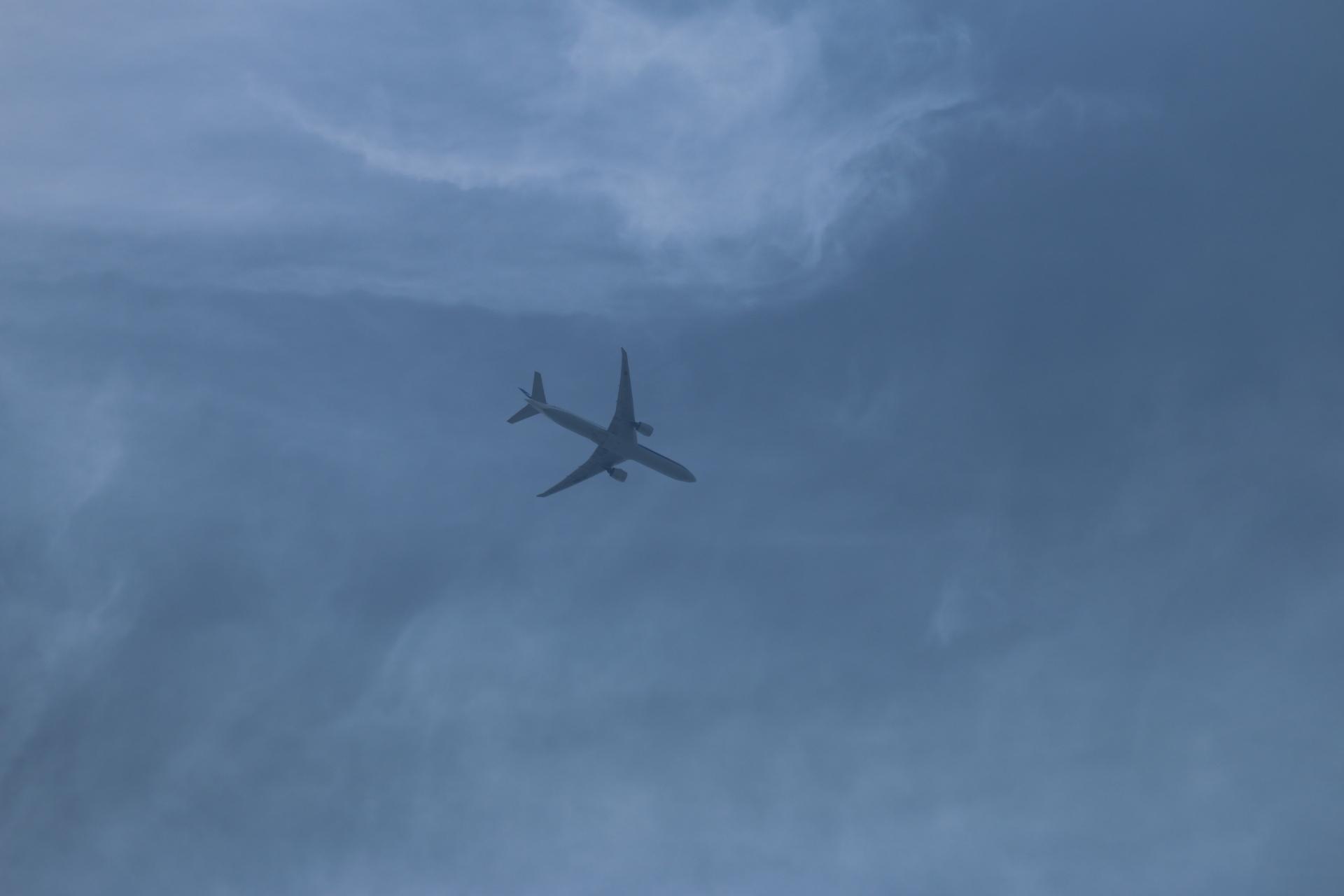 20190505雲と飛行機00000401