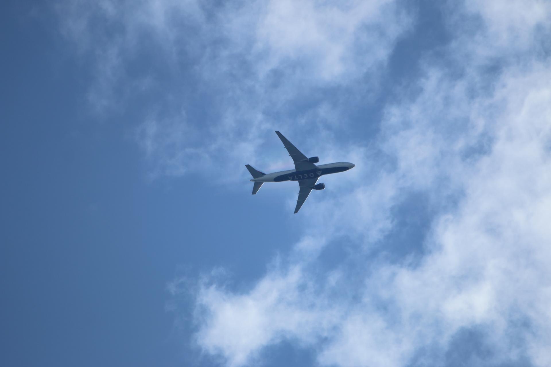 20190506雲と飛行機00000414