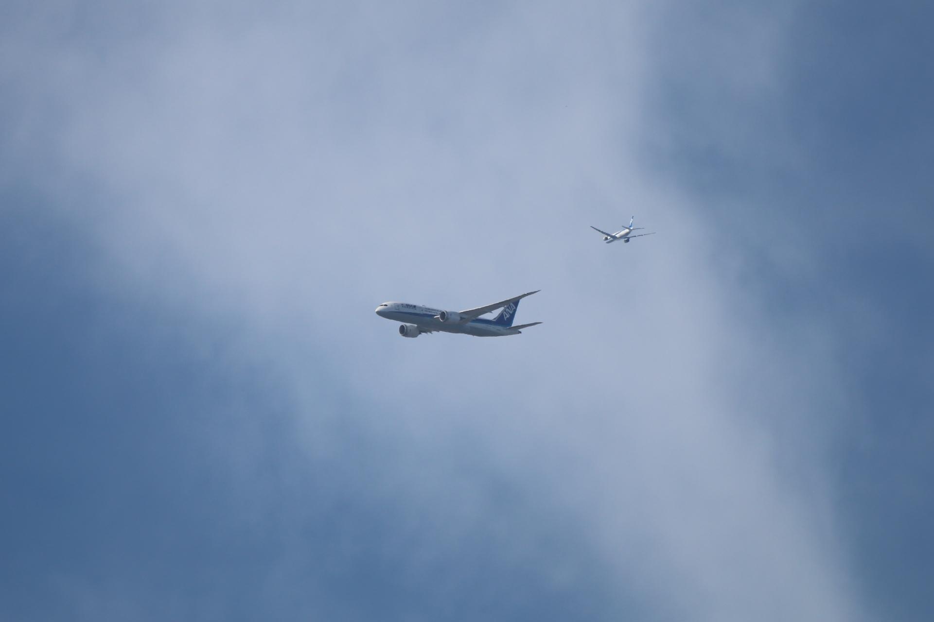 飛行機2機