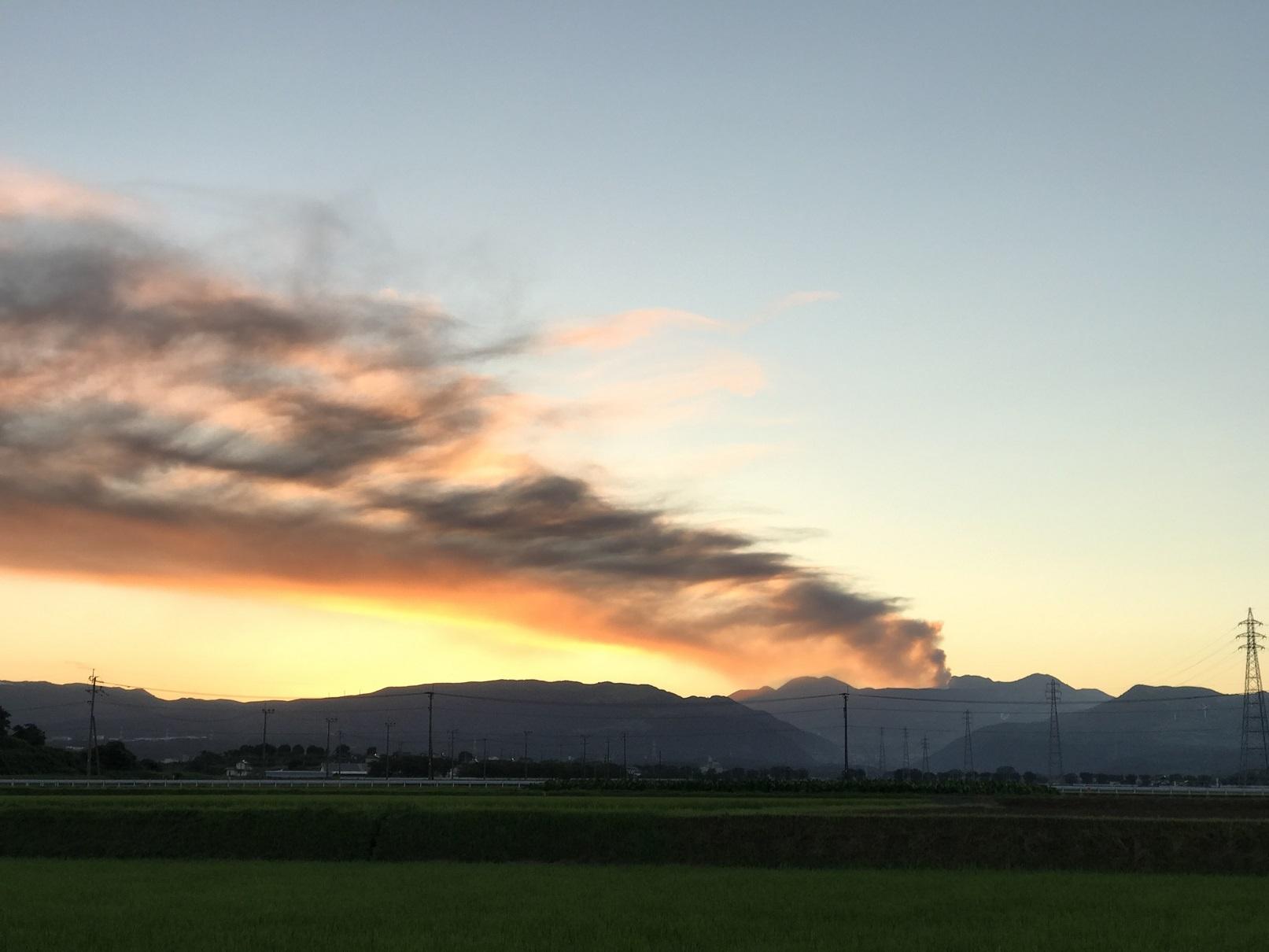 阿蘇山の噴煙 (2)