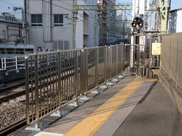 Shinagawa_fence_4_181125.jpg