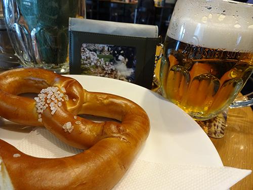 僕とビールと焼き立てプレッツェル