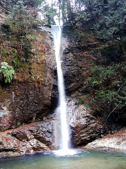 投石の滝4