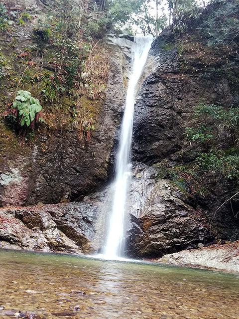 投石の滝5